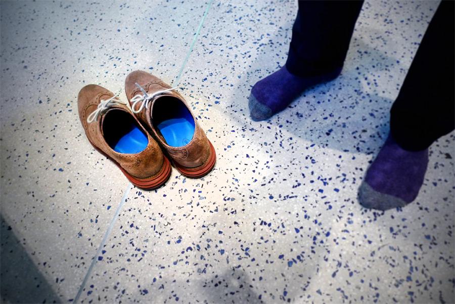 снимать обувь при входе в дом