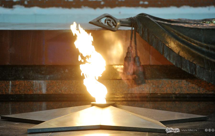 Картинка вечный огонь гиф, открытый урок музыки