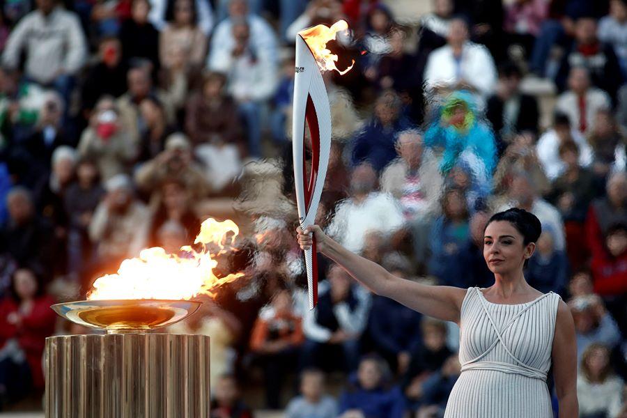 день картинка факел олимпийского огня современных игр отдельно