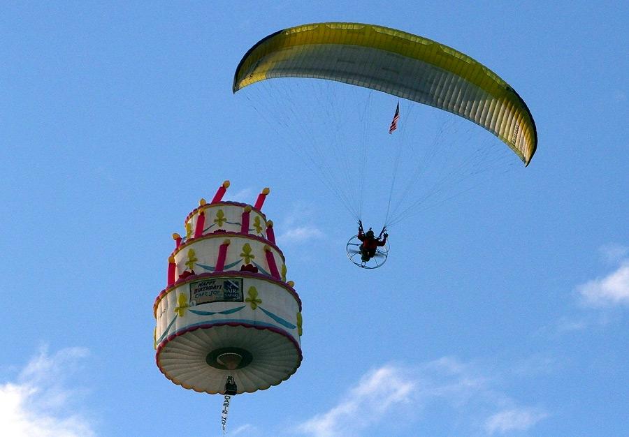 На Филиппинах начался фестиваль воздушных шаров 3d4NKjWrDIdceglujfsGyA