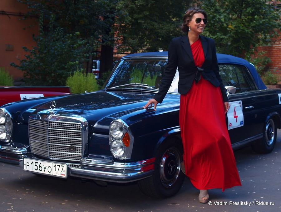 Женское ралли наретро-автомобилях. Москва. © Vadim Preslitsky