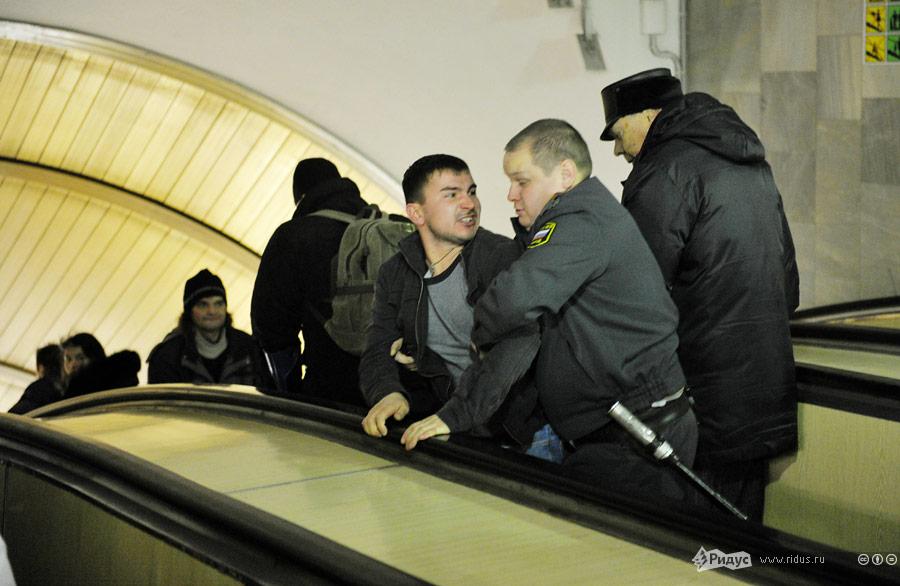 Задержание безбилетника вмосковском метро. © Антон Тушин/Ridus.ru