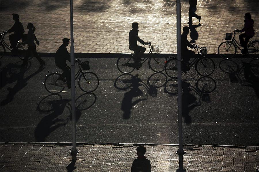 Велосипедисты наулице Хэджу. © Damir Sagolj/Reuters