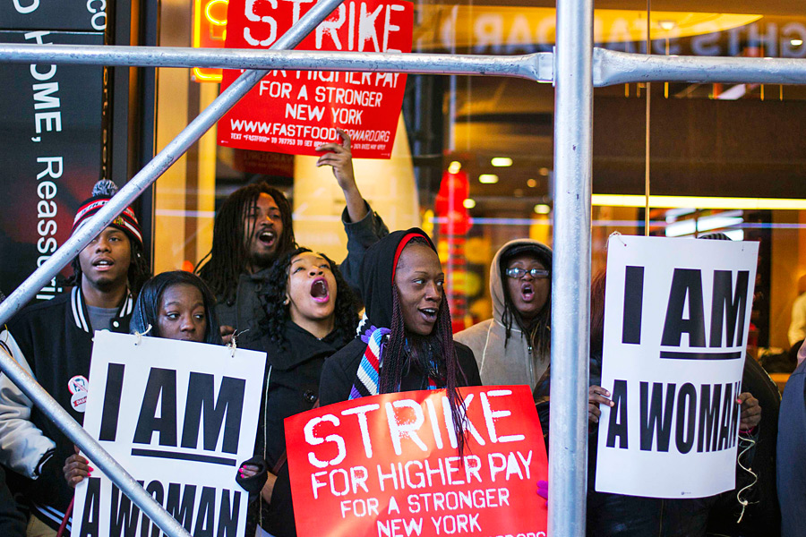 the demand of fast food workers for increase wage in the united states Thousands of fast-food workers joined other professionals at protests in many us cities, to demand a minimum hourly wage of wage in the united states is.
