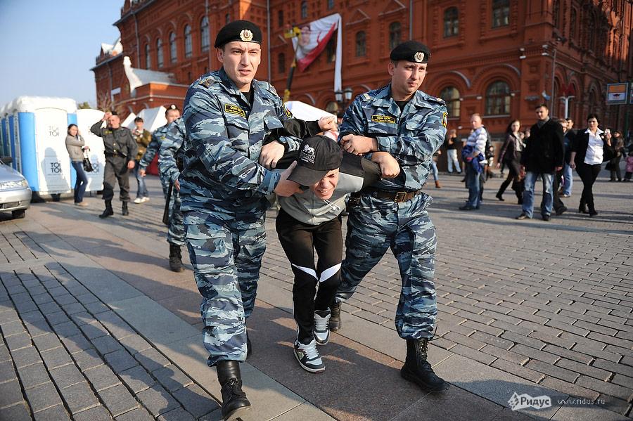 Выступление фанатов наМанежной площади вМоскве 08октября 2011. Фоторепортаж © Антон Белицкий/Ridus.ru