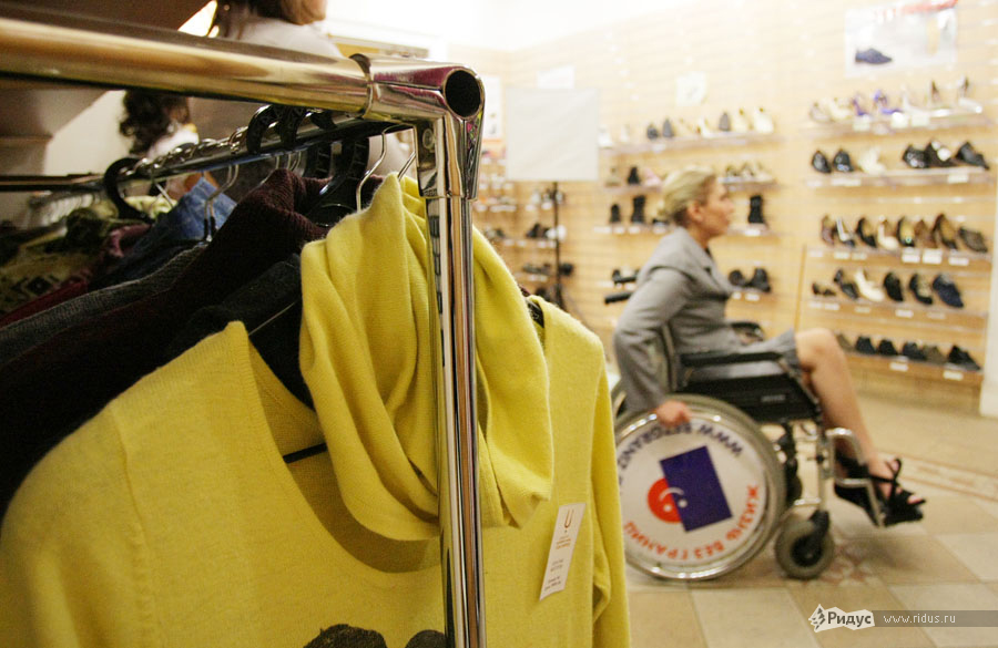 Показ новой коллекции одежды иобуви дляработающих инвалидов от«Ортомоды» © Антон Тушин/Ridus.ru