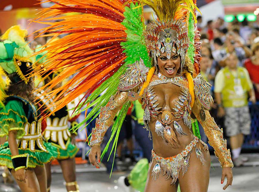 Сиськи на карнавале в рио