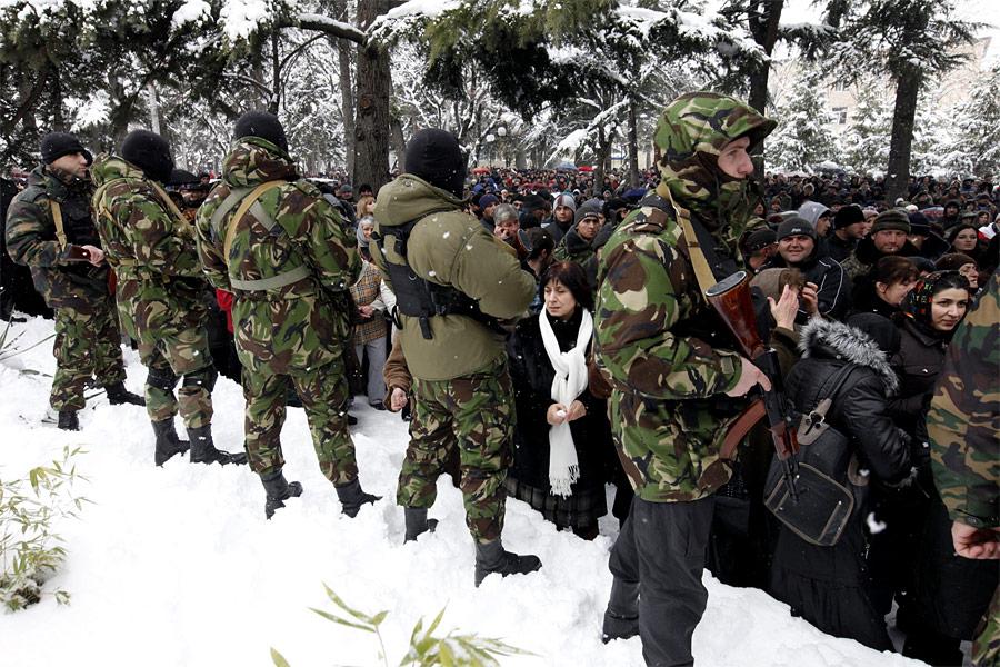 Военные наплощади вЦхинвали. © Эдуард Корниенко/Reuters