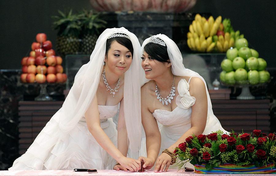 невеста и лесбиянка-рэ1