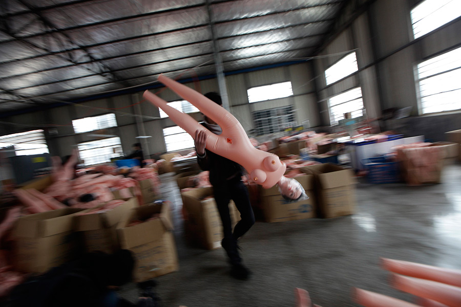 Фабрика по производству секс кукол