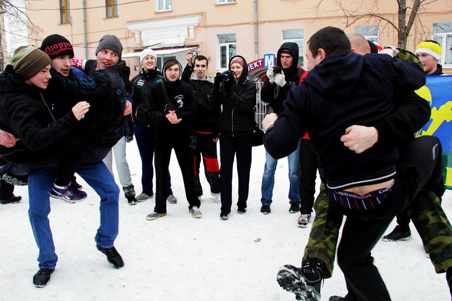 Русские забавы. Змей Горыныч  © Олеся Шевцова/Ridus.ru