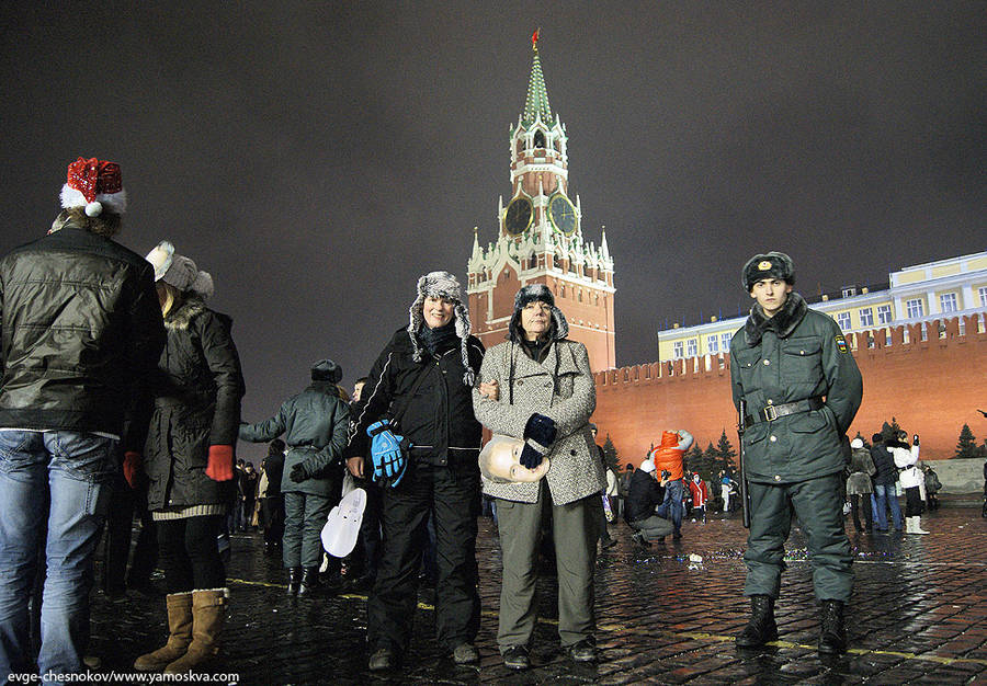 яблони бомжи на красной площади фото известна длинной