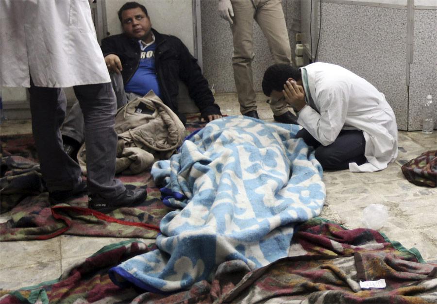 Тело демонстранта вгоспитале Каира. © Amr Abdallah Dalsh