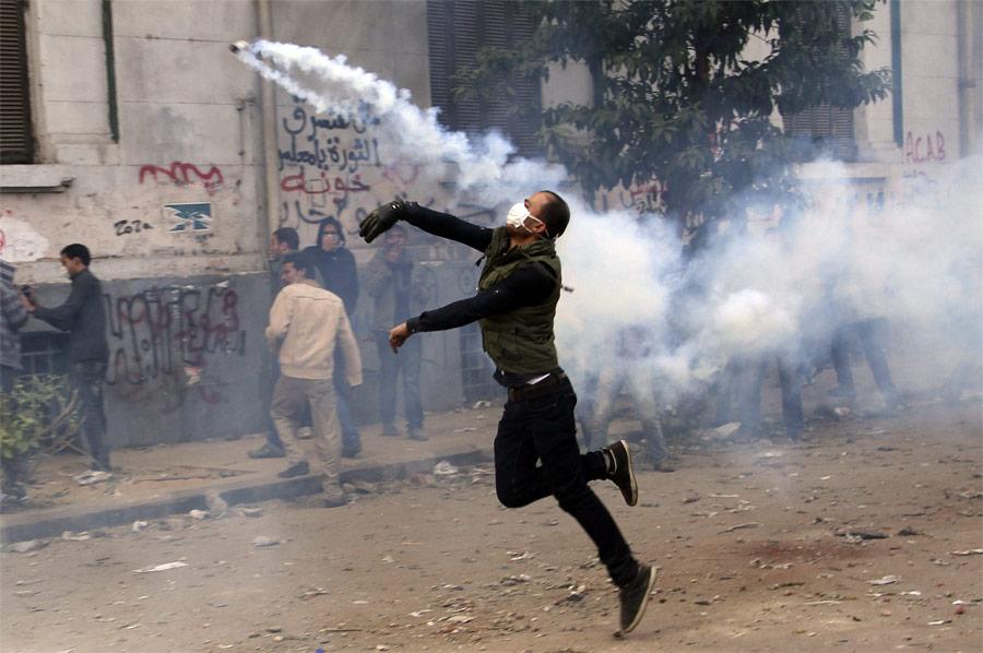 Столкновения полиции идемонстрантов наплощади Тахрир. © Mohamed Abd El-Ghany