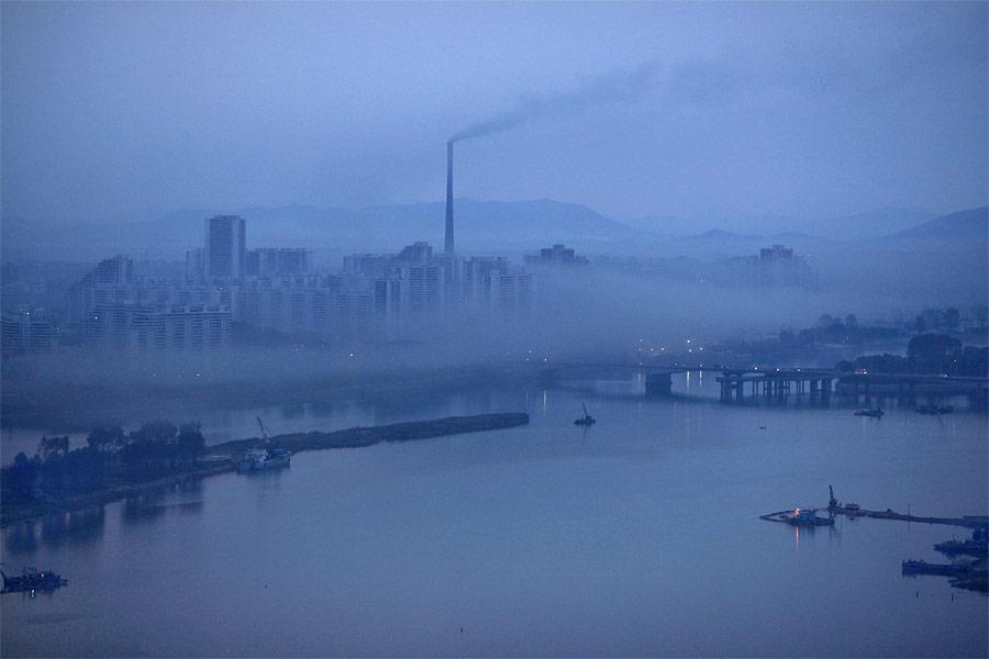 Промышленная зона Пхеньяна. © Damir Sagolj/Reuters
