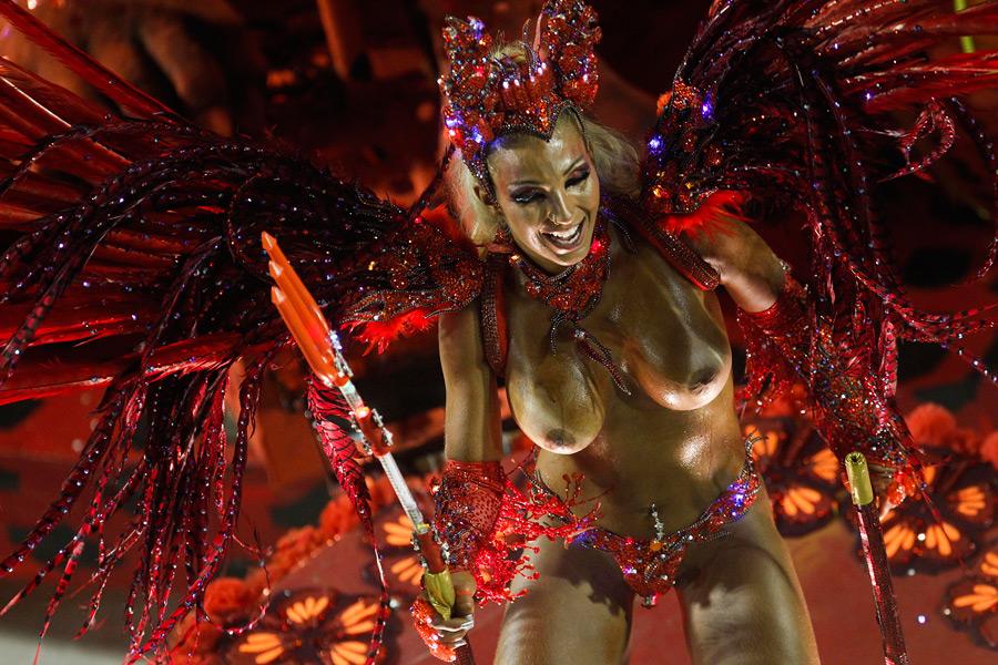 Бразильский карнавал без цензуры смотреть онлайн