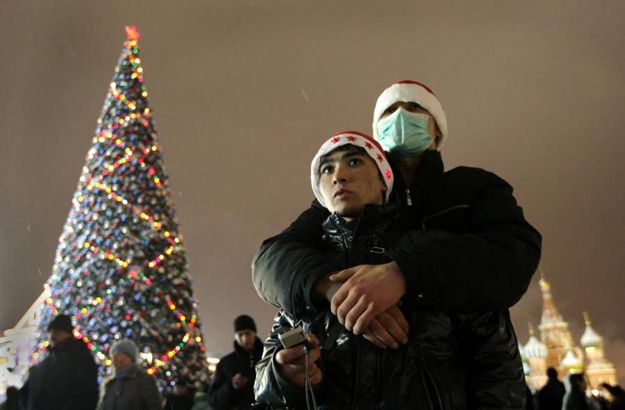 Гастарбайтеры наКрасной Площади вовремя новогодних гуляний. © Валерий Мельников/РИА Новости