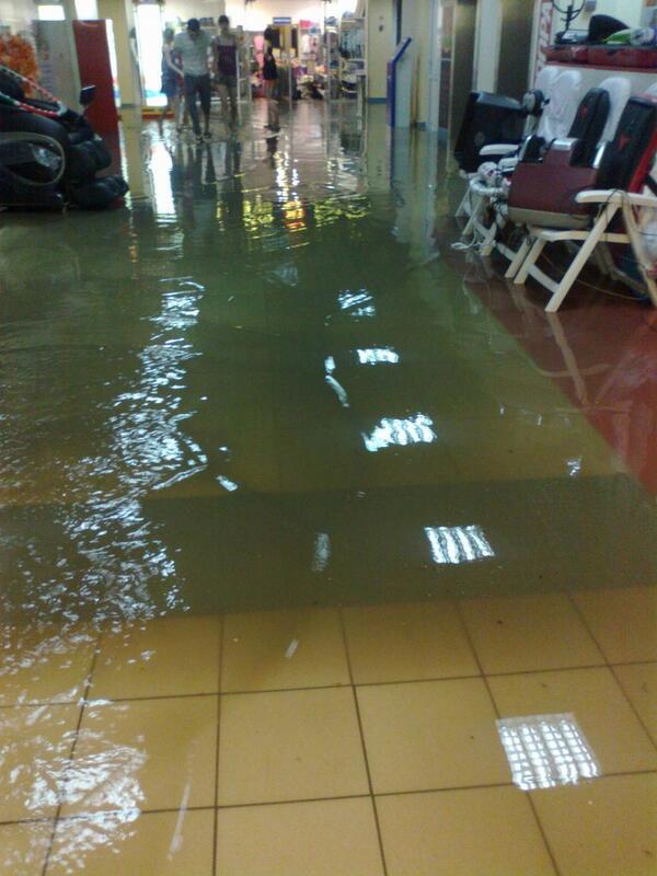 Ливни превратили Тюмень в Венецию за час