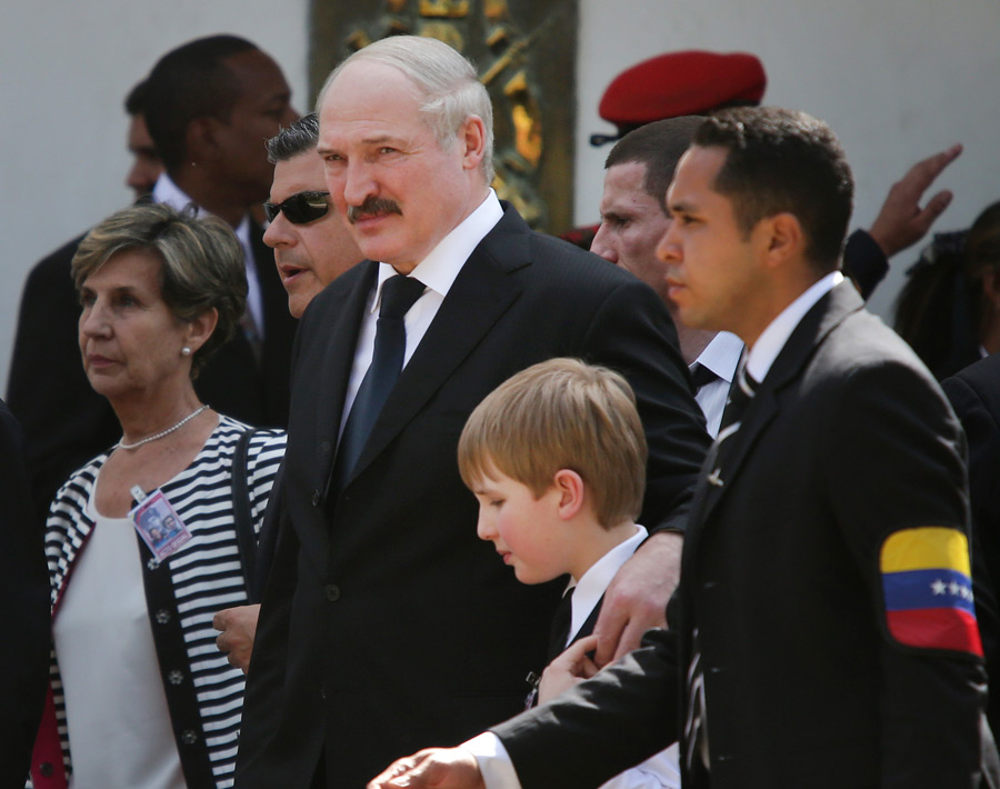 Президент Белоруссии Александр Лукашенко ссыном Николаем. © Валерий Мельников/РИА Новости