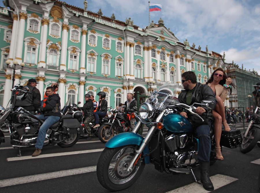 рисовая фотосессии на мотоциклах питер окончательно рассталась