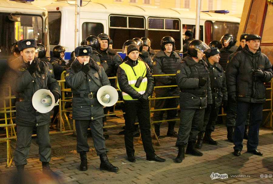 Полицейское оцепление наТриумфальной площади вМоскве 7декабря 2011 года. © Антон Тушин/Ridus.ru