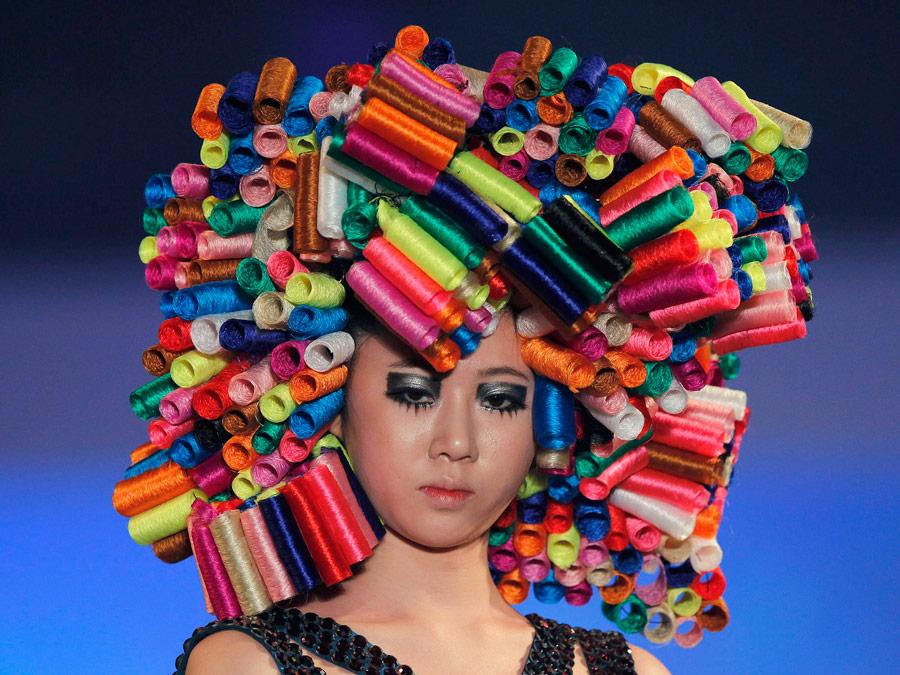 Модельный показ нашоу «Коллекция причесок вКорее— 2012» вСеуле. © JoYong-Hak/Reuters