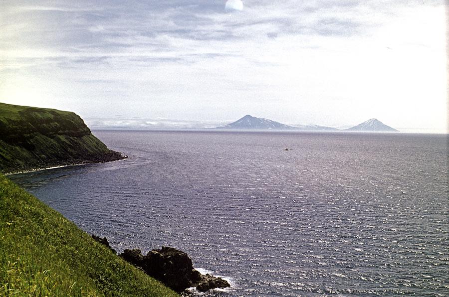 Один изостровов Северной группы Большой гряды Курильских островов. © Игорь Вайнштейн/РИА Новости