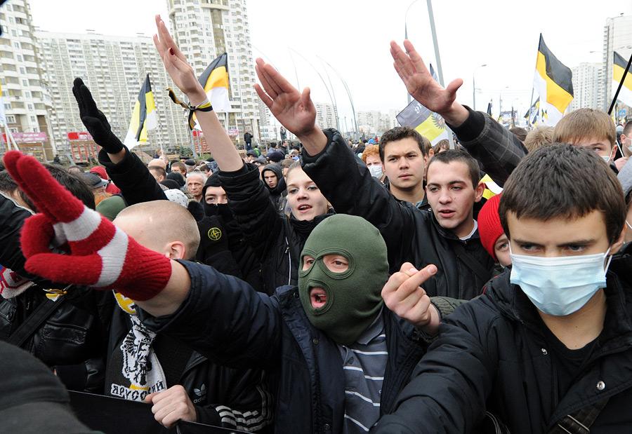 """""""На европейских блошиных рынках такого - сколько угодно"""", - пропагандист Киселев признался, что одурачил россиян, показав фальшивый аусвайс украинского сотника - Цензор.НЕТ 2723"""