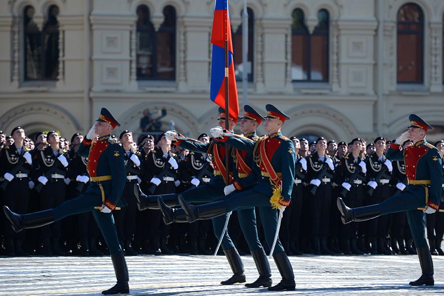 На красной площади состоялся парад