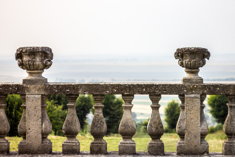 """Замок строился по итальянской схеме  """"palazzo in fortezza """" или  """"дворец в крепости """", оборонительные функции..."""