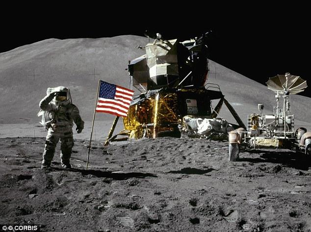флаг на луне