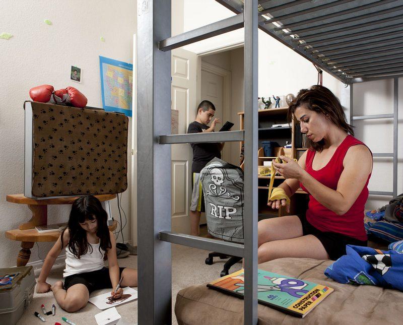 Женщин спальню заглядывани в