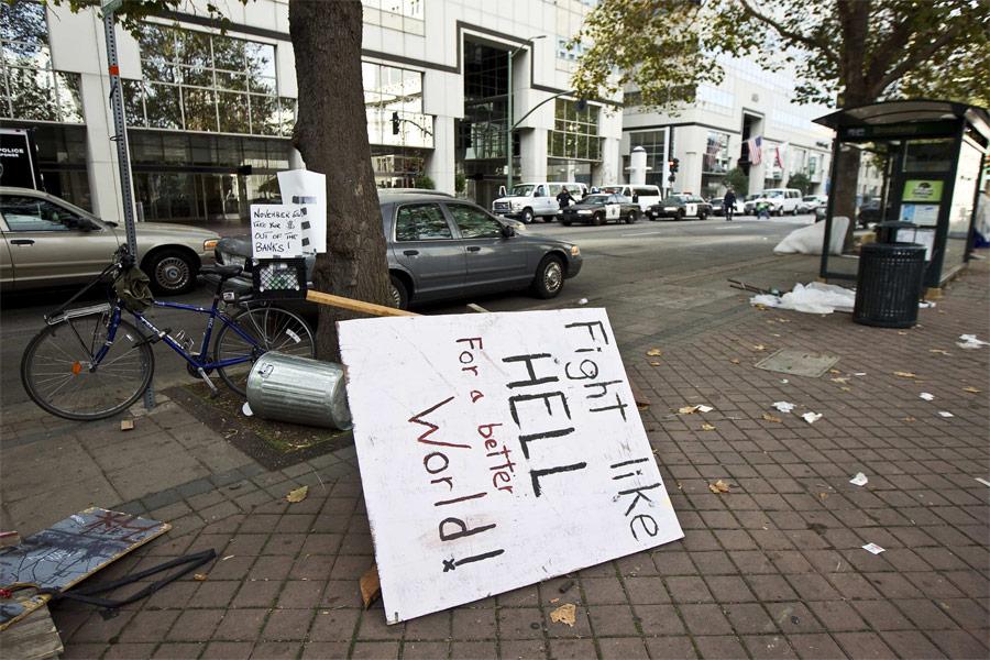 Палаточный лагерь демонстрантов в Окленде был ликвидирован. © Kim White/Reuters