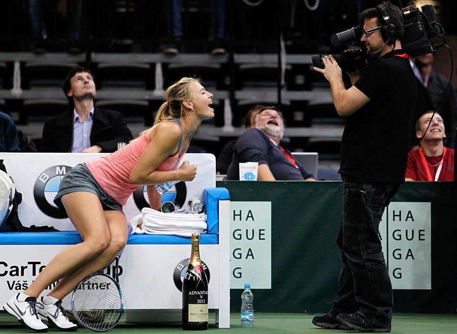Красавица Мария Шарапова стала лучшей теннисисткой России  2012 года