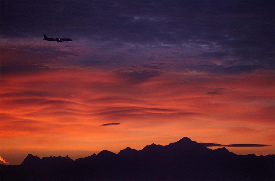 Раннее утро вЖеневе. © Denis Balibouse/Reuters