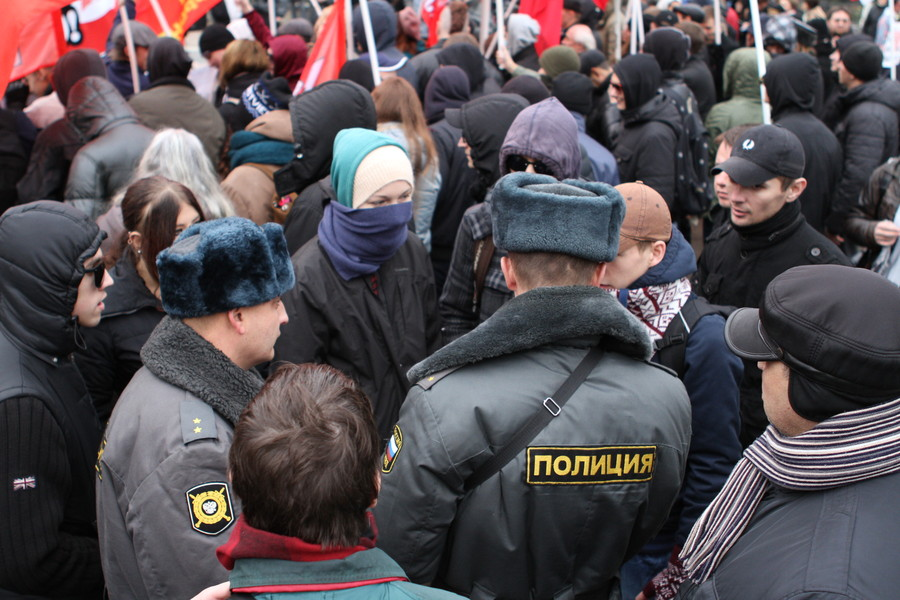 На самом митинге выступили представители организаций и движений, принимавших участие в акции, а также мама анархиста...