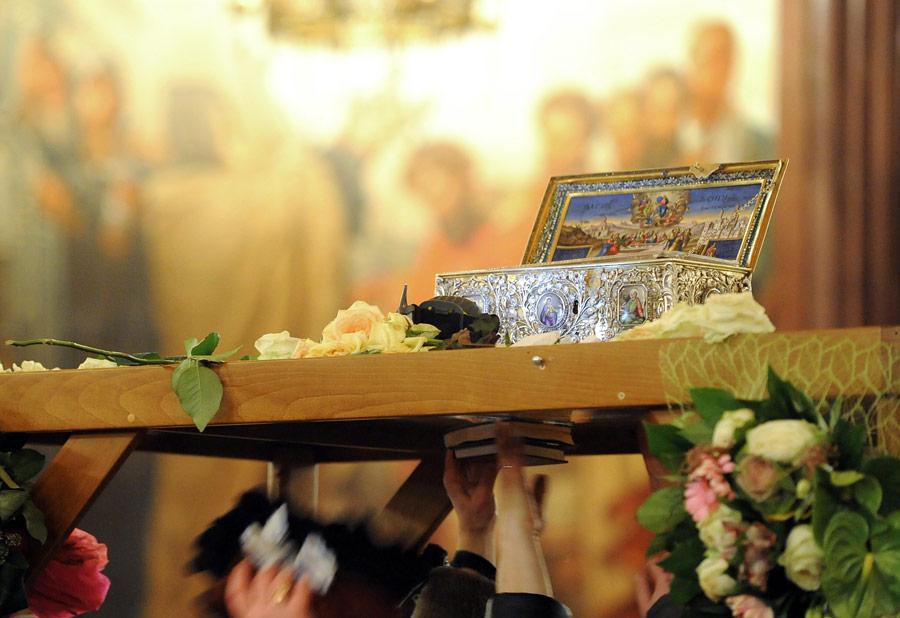 Ковчег споясом Пресвятой Богородицы вХраме Христа Спасителя. © Сергей Пятаков/РИА Новости