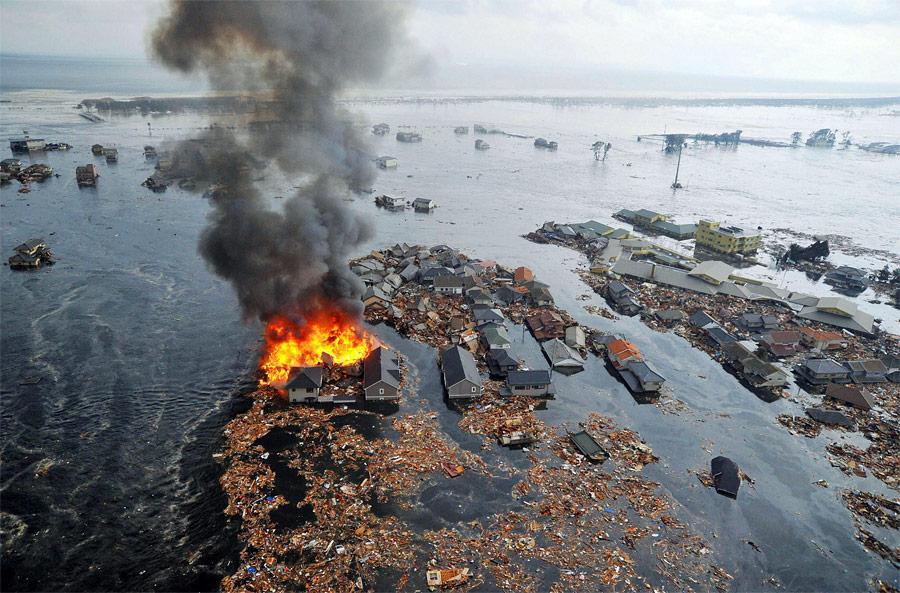 После удара цунами вНатори. © Kyodo/Reuters