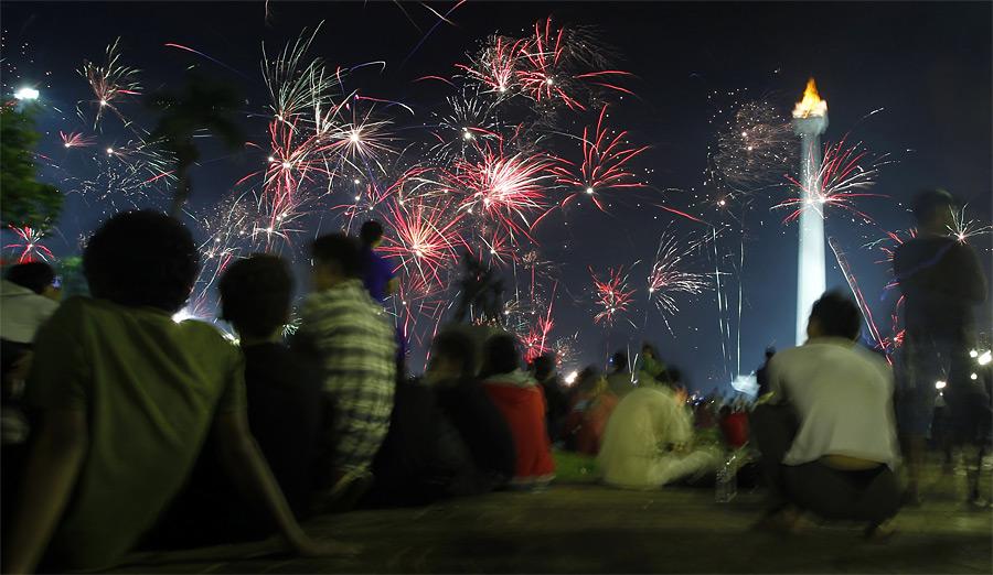 Салют вДжакарте, столице Индонезии. © Supri/Reuters