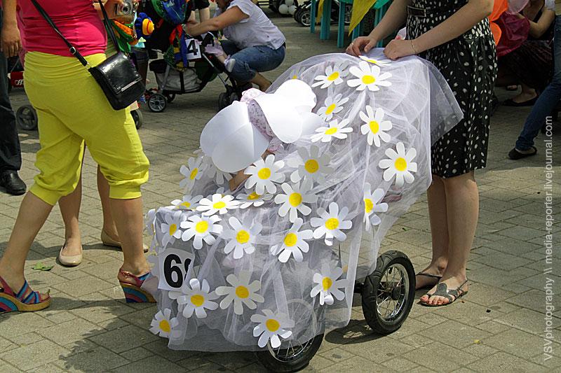 Как оформить коляску на парад колясок своими руками
