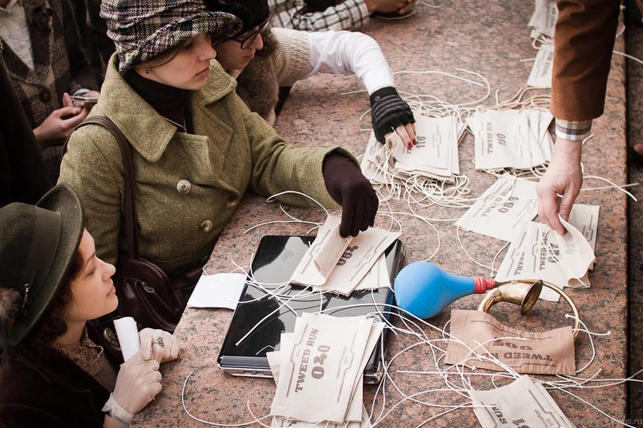 Выдача регистрационных номеров. Фото: Павел 'PaaLadin' Семёнов   Ridus.ru