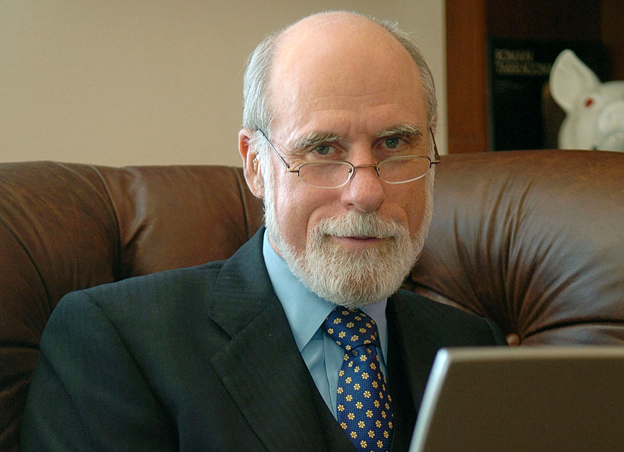 an analysis of the concept of internet access in the american history and the role of vinton cerf A brief history of the internet vinton g cerf the concept was very much like the internet of today imp's with bob kahn playing a major role in the overall.