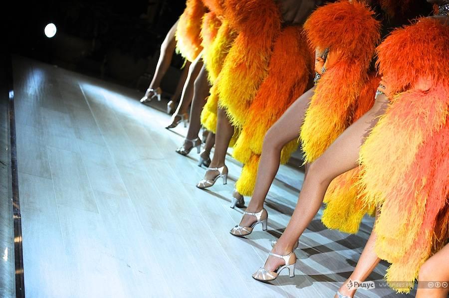Танцовщицы французского кабаре «Мулен Руж». © Антон Белицкий/Ridus.ru