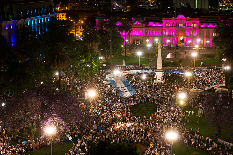 the conflict between two polarized political blocks in the april 2013 argentina protest against the