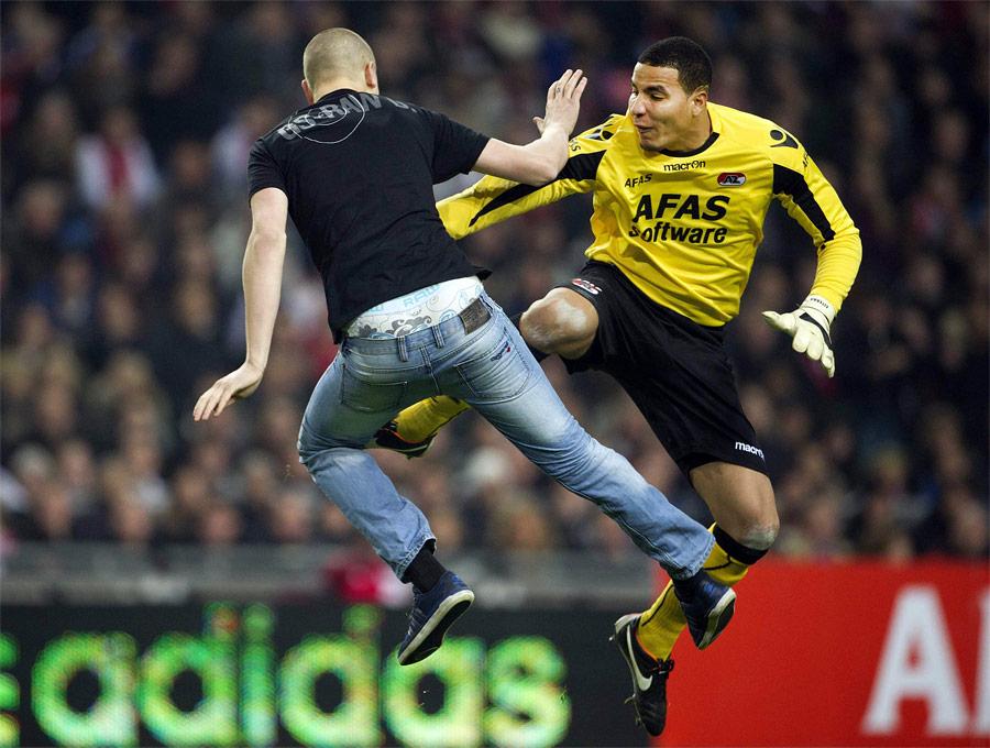 © Louis Van DeVuurst/Ajax/Reuters