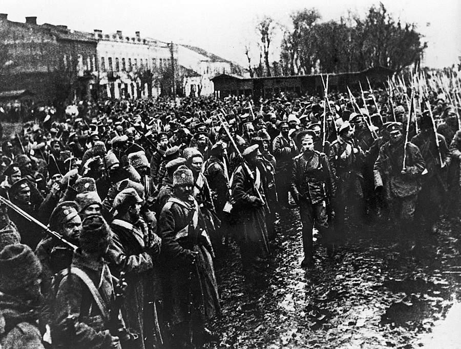 Первая Мировая война 1914-1918гг. Галицинский фронт. Русские войска вступают вгород Черновицы (Северная Буковина) в1916 году. © РИА Новости