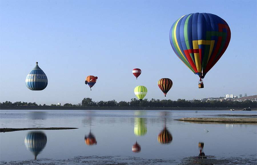 Международный фестиваль воздушных шаров вЛеоне, Мексика. © Mario Armas/Reuters