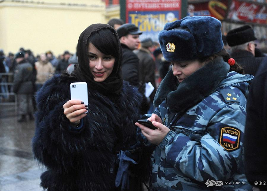 Тина Канделаки вовремя митинга наПлощади Революции 10декабря 2011 года. © Василий Максимов/Ridus.ru