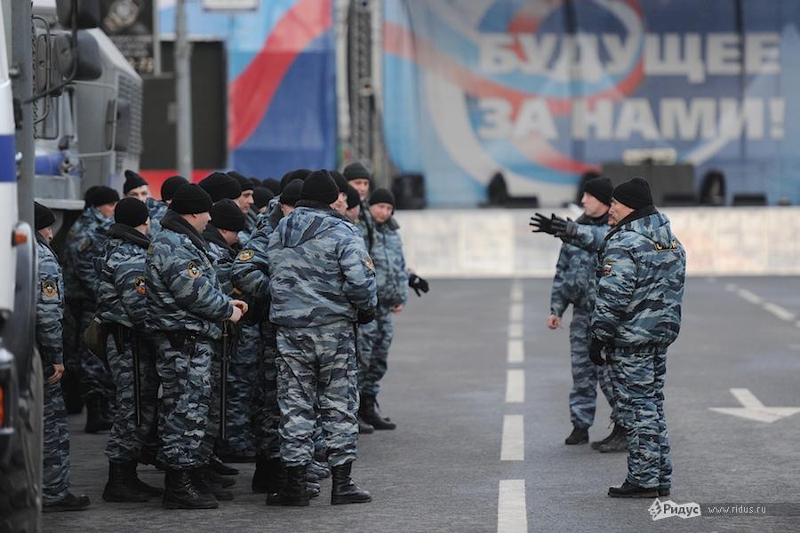 Полицейский инструктаж 6декабря 2011 года. © Антон Белицкий/Ridus.ru