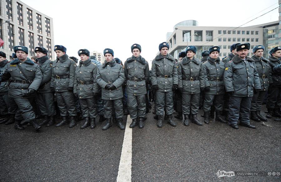 Сотрудники полиции вовремя митинга вМоскве 24декабря 2011 года. © Антон Тушин/Ridus.ru